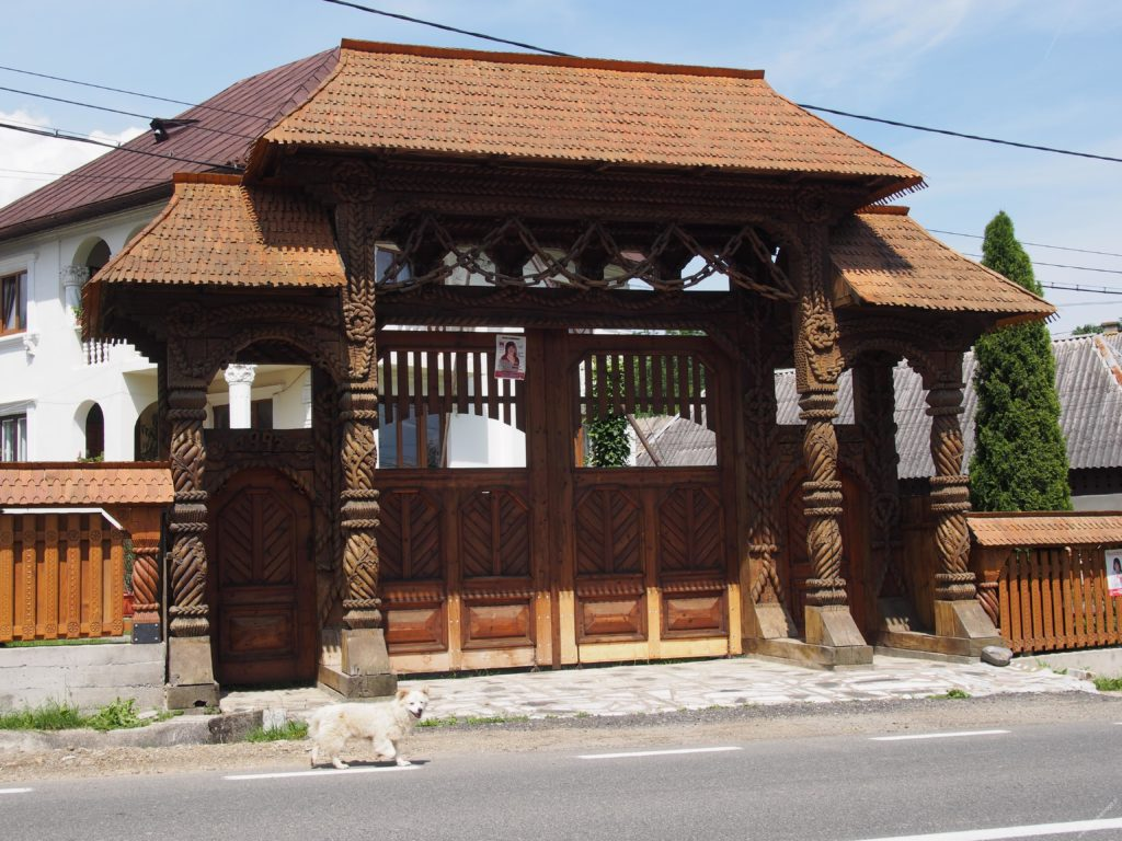 drewniane bramy Maramuresz