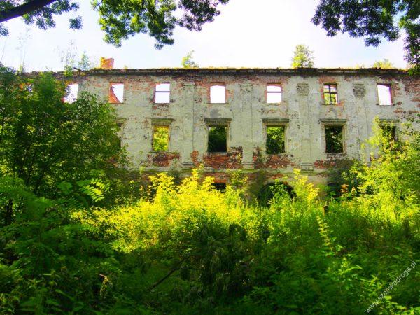 Chrzelice - ruiny zamku