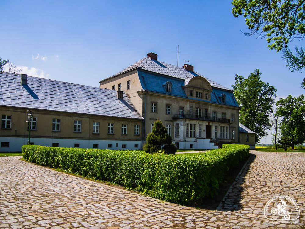 pałac w Bąkowicach
