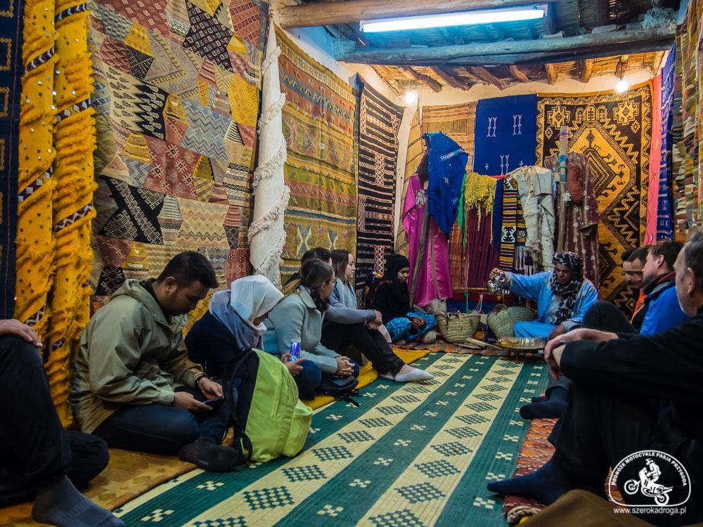 czy warto kupić dywan w Maroku? pamiątki z Maroka
