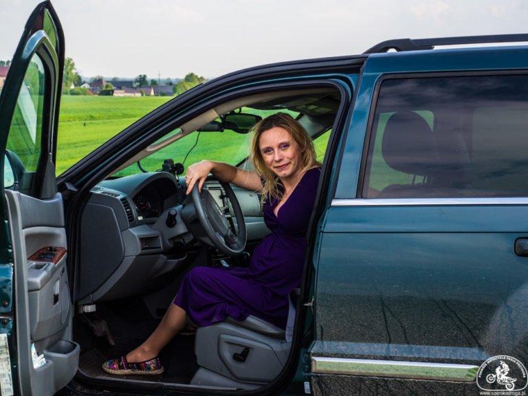 podróżowanie w ciąży i jazda samochodem