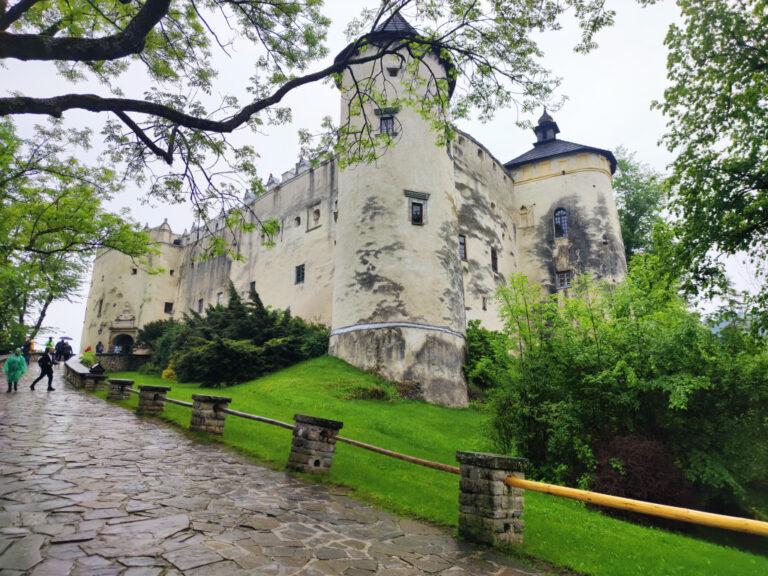 zamek w Niedzicy zwiedzanie